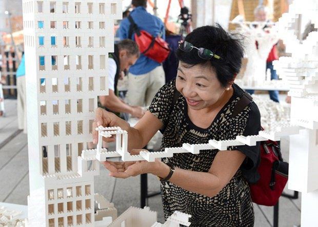 10 архитектурных бюро собрали модели зданий из белого LEGO. Изображение № 13.