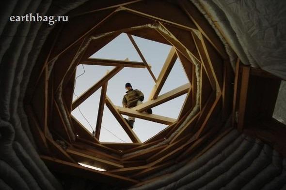 Проапокалиптический DIY - купол из мешков с землей - Earthbag building. Изображение № 14.