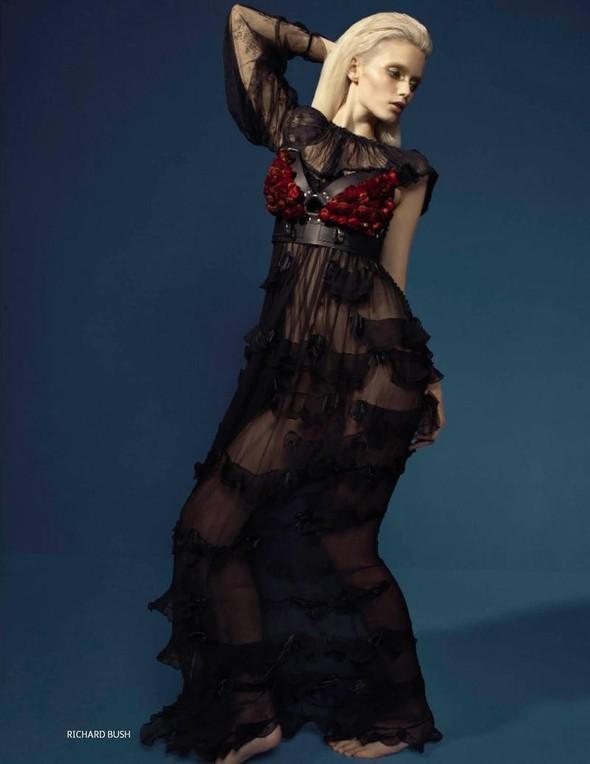 Съёмка: Эбби Ли Кершо для российского Vogue. Изображение № 8.