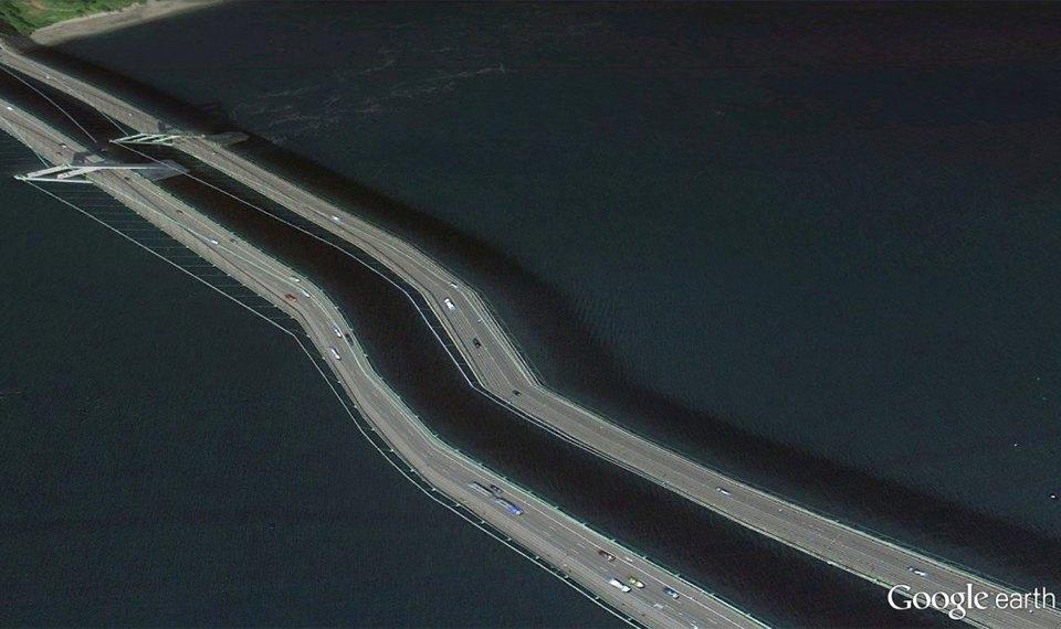 32 фотографии из Google Earth, противоречащие здравому смыслу. Изображение № 14.