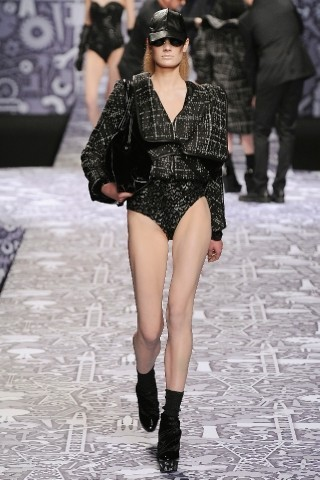 Back to black : Gareth Pugh и Victor&Rolf aw 2010-2011. Изображение № 50.