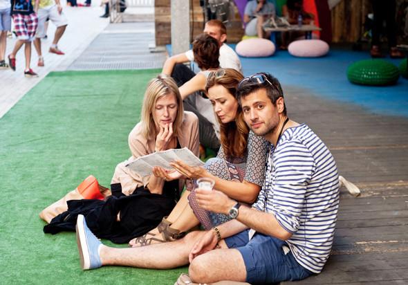 Пестрые рубашки и темные очки: Посетители фестиваля Sonar 2012. Изображение № 7.