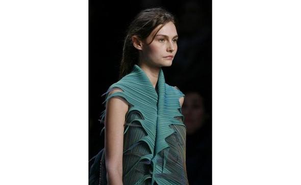 Японский вклад в haute couture. Изображение № 37.