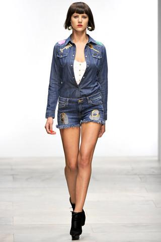 Fashion Digest: Главные новости моды за две недели. Изображение № 20.