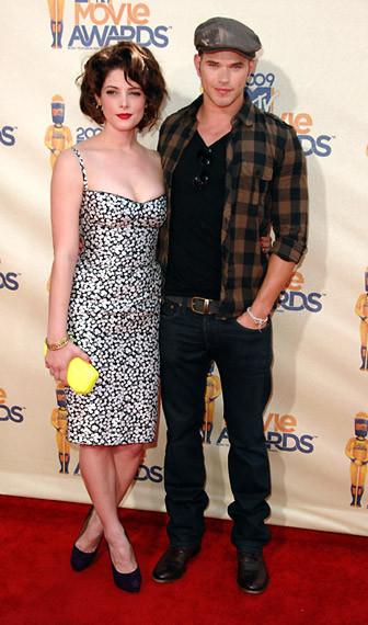 Наряды сMTV Movie Awards 2009. Изображение № 18.