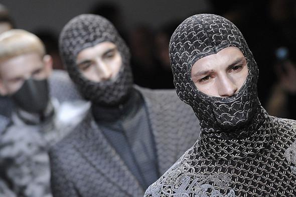 Что носить осенью: мужские показы в Милане. Изображение № 209.