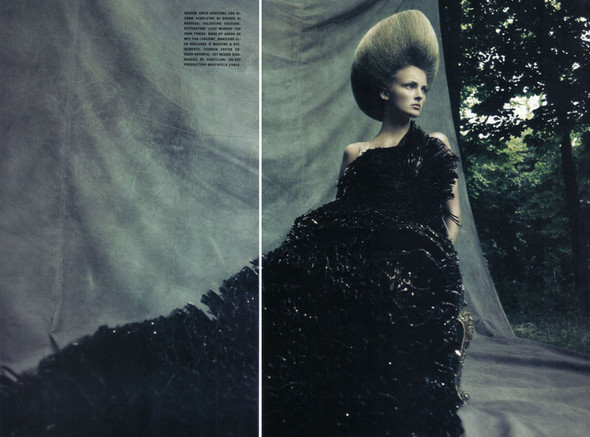 A Dream Of A Dress. Vogue Italia September 2009. Изображение № 9.