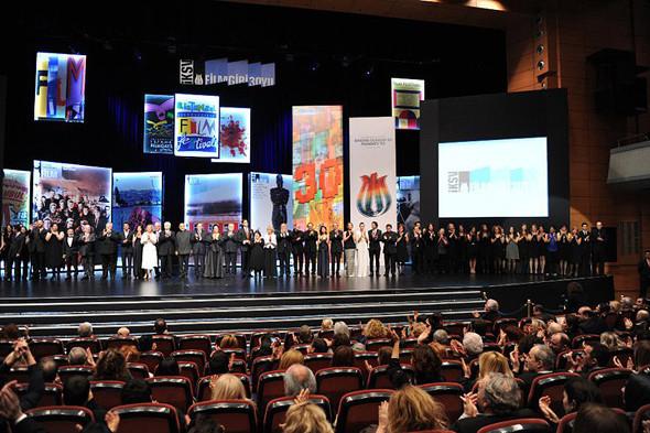 Как выглядит кинофестиваль изнутри: Канны, Стамбул и сто премьер за неделю. Изображение № 8.