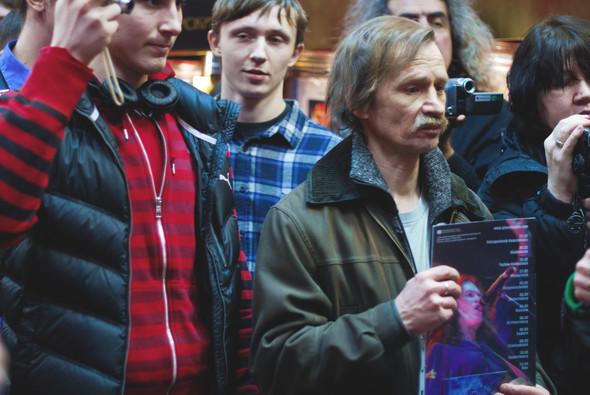 Glenn Hughes in PLAY 03/04/2012. Изображение № 7.
