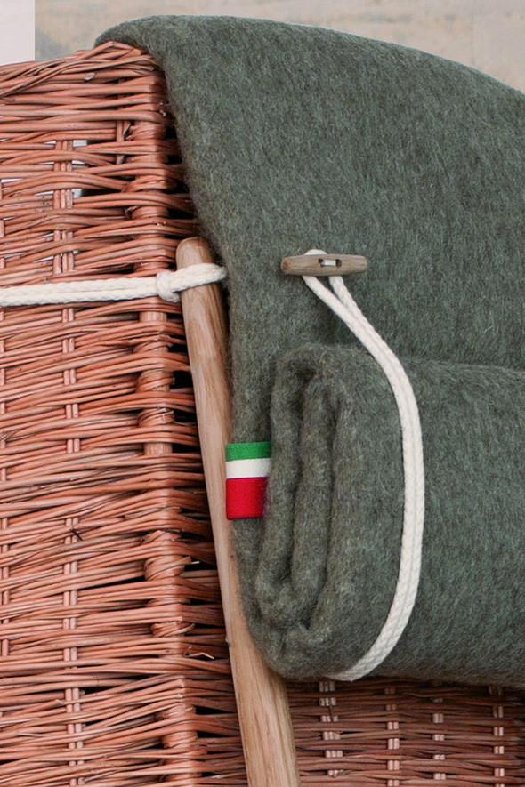 Патриотичное кресло-корзина. Изображение № 2.