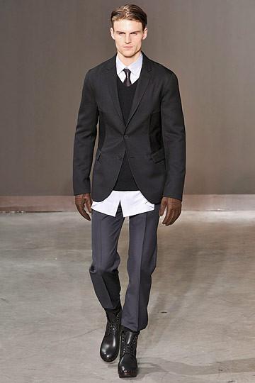 Неделя моды в Париже: мужские показы. Изображение № 2.