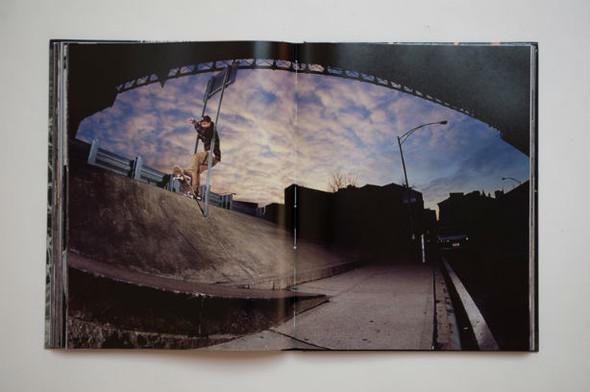 10 альбомов о скейтерах. Изображение №85.