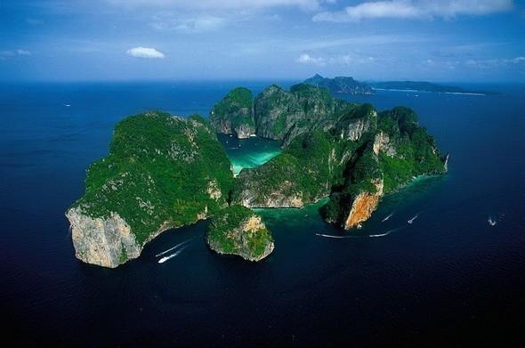Phi Phi Le возле острова Пхукет. Таиланд. Изображение № 31.
