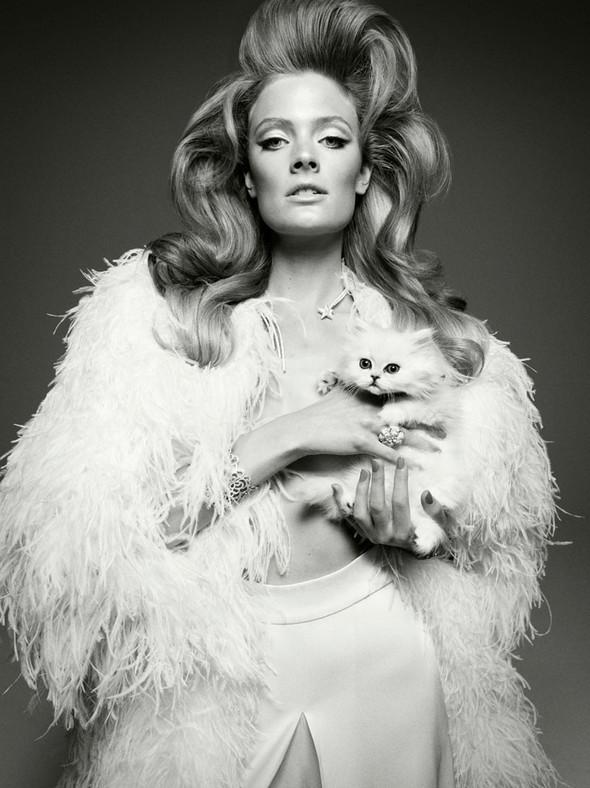 Съёмка: Констанс Яблонски для Vogue. Изображение № 1.