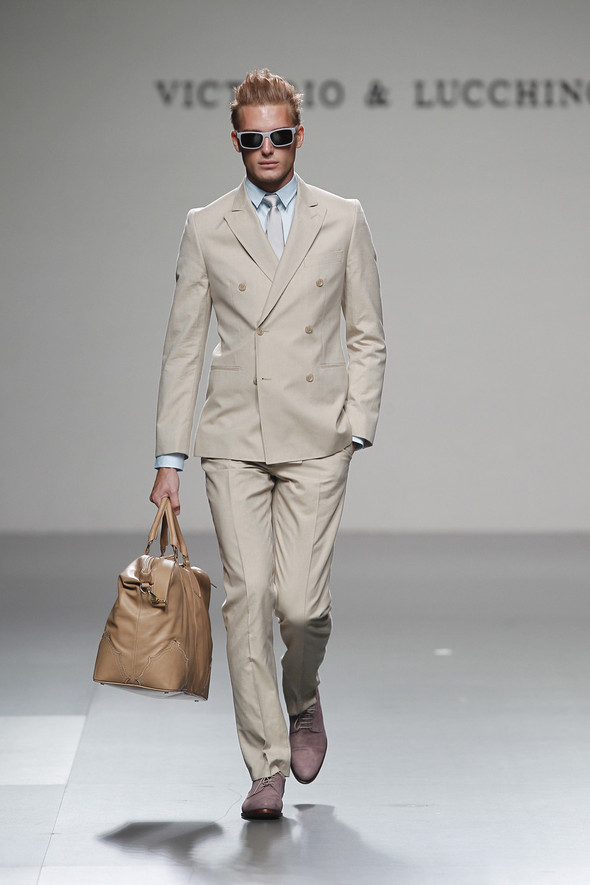 Madrid Fashion Week SS 2012: Victorio & Lucchino. Изображение № 20.