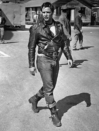 Марлон Брандо (MARLON BRANDO). Играл на Бродвее и очень мужественно носил алкоголичку. Умер от ожирения и старческого слабоумия, но в наших сердцах навсегда остался первым супер-меном!. Изображение № 41.