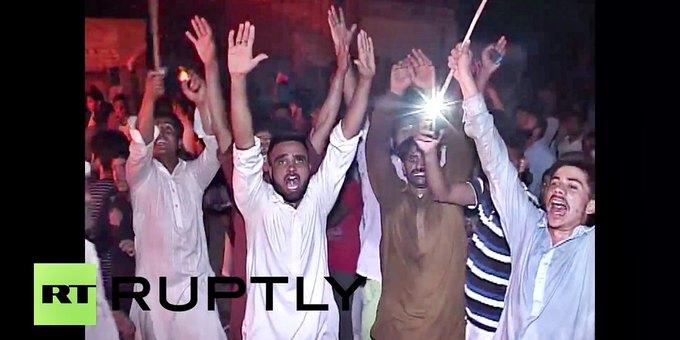 В Пакистане из-за поста в Facebook начались уличные беспорядки. Изображение № 2.