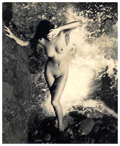 Части тела: Обнаженные женщины на фотографиях 50-60х годов. Изображение № 26.