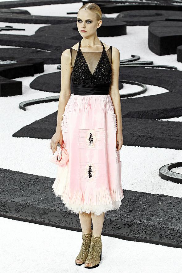 Карл Лагерфельд показал одну из самых красивых коллекций, когда-либо созданных для Chanel. Изображение № 51.