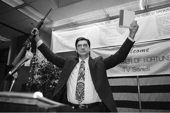 Америка - нация оружия. Фотографии Зеда Нельсона. Изображение № 9.
