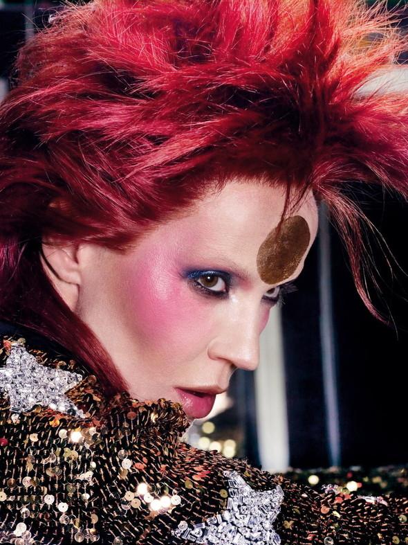 Съёмка: Дафна Гиннесс для Vogue. Изображение № 3.