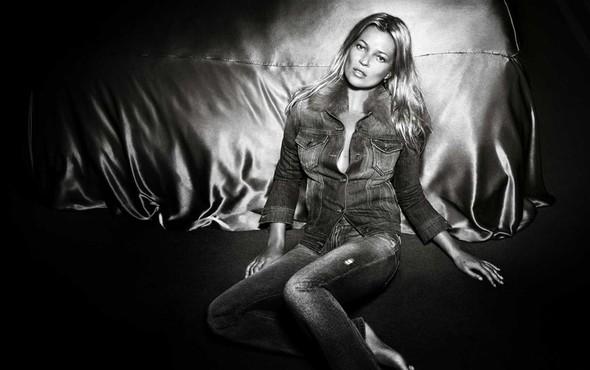 Кампания: Кейт Мосс для Liu Jo SS 2012. Изображение № 3.