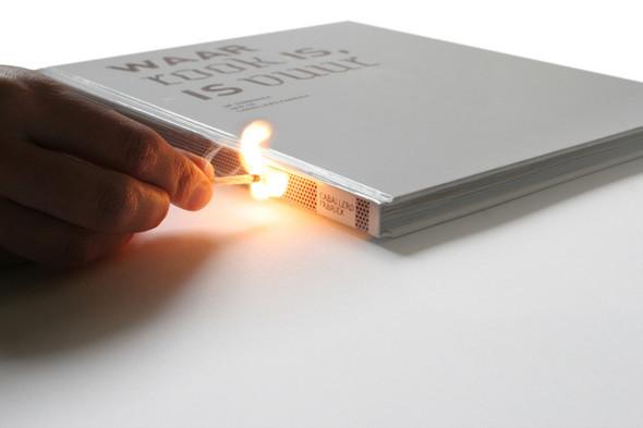 Бумажные мячи и книга, дающая огонь. Изображение № 14.
