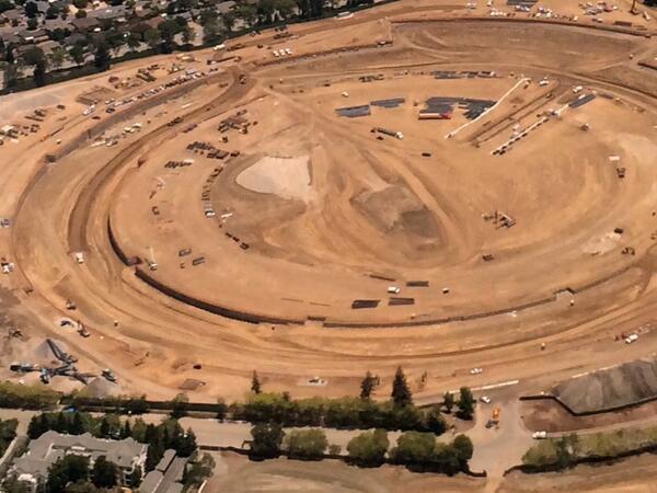 Репортёр показал стройку кампуса Apple с высоты птичьего полёта . Изображение № 4.