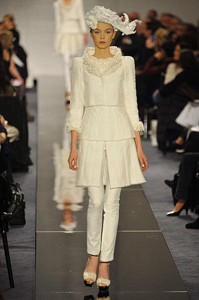 Chanel Spring 2009 Haute Couture. Изображение № 19.
