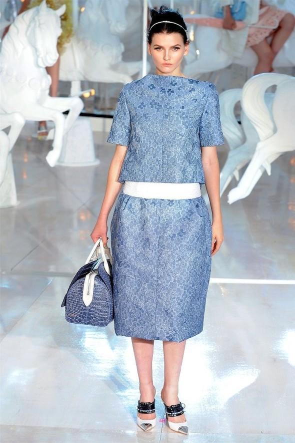 Неделя моды в Париже: Louis Vuitton весна 2012. Изображение № 22.