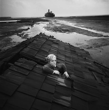 Изображение 3. Восемь фотографов сюрреалистов.. Изображение № 61.