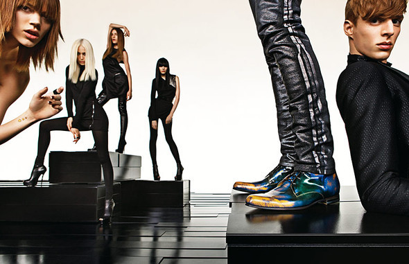 Gucci FallWinter'09 '10. Изображение № 2.