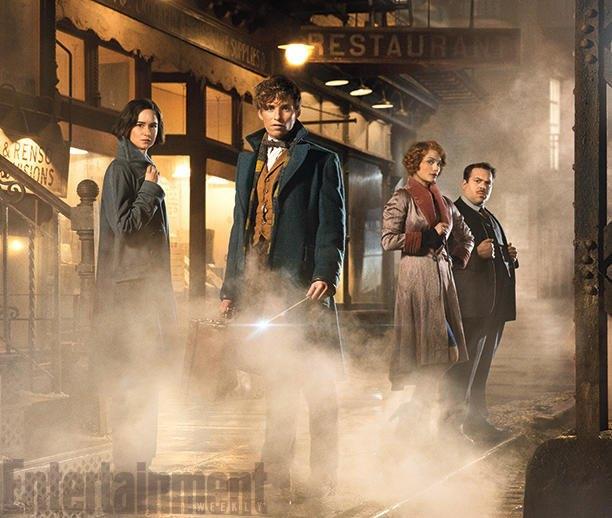 Появились кадры сЭдди Редмэйном вспин-оффе «Гарри Поттера». Изображение № 3.
