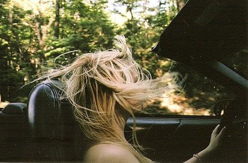 В этом есть чудо-прелесть - пускать по ветрам волоса. Изображение № 8.