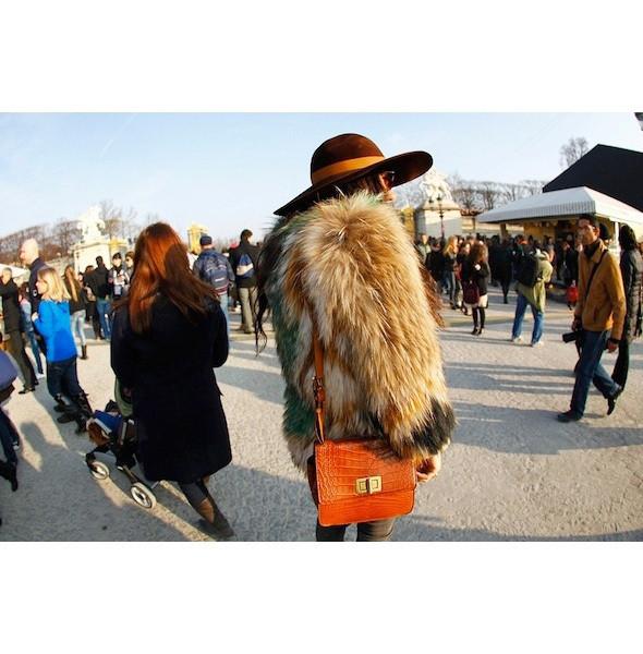 Изображение 9. На полях: 10 тенденций уличного стиля с прошедших недель моды.. Изображение № 9.