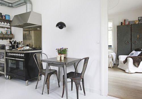 Black&white - 33 красивейших интерьера черно-белой гаммы. Изображение № 10.