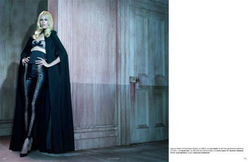 Съёмка: Клаудия Шиффер для немецкого Vogue. Изображение № 3.