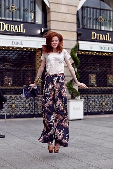 Уличный стиль на Неделе высокой моды в Париже. Изображение № 49.