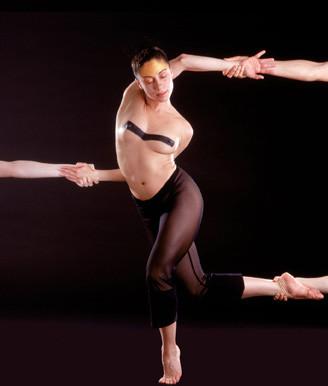 Oбнаженность всовременном танце. Изображение № 5.