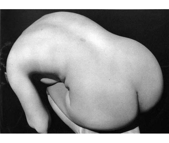 Части тела: Обнаженные женщины на винтажных фотографиях. Изображение № 40.