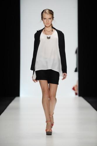 Mercedes-Benz Fashion Week Russia: день пятый. Изображение № 4.