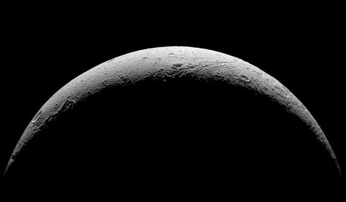 Фото дня: последние снимки спутника Сатурна от Cassini. Изображение № 3.