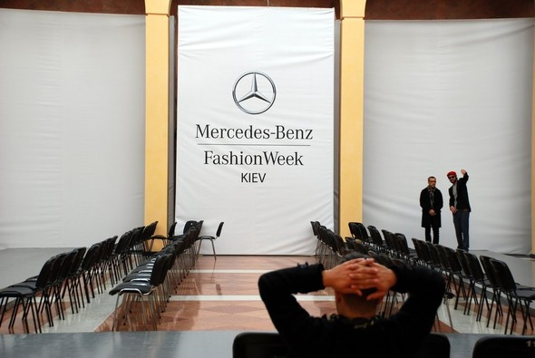 Mercedes-Benz FASHION WEEK KIEV (Backstage). Изображение № 30.
