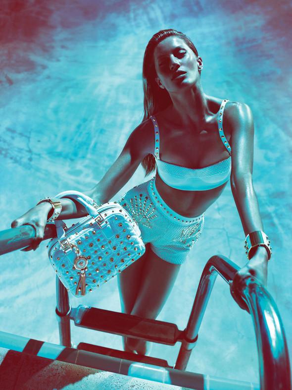 Кампания: Жизель Бундхен для Versace SS 2012. Изображение № 8.