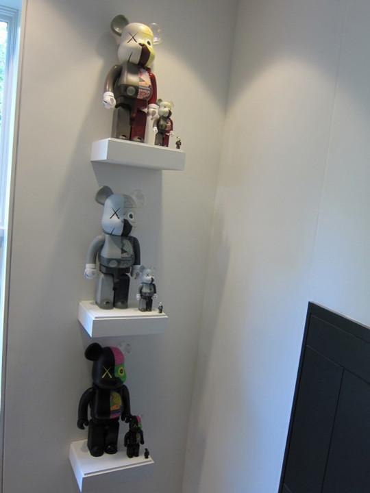 Выставка художника и дизайнера KAWS. Изображение № 22.