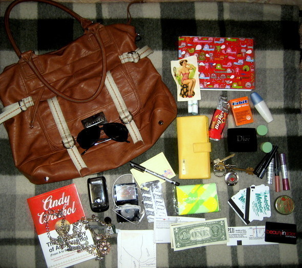Look at Me: What's in your bag? Часть 2. Изображение № 4.