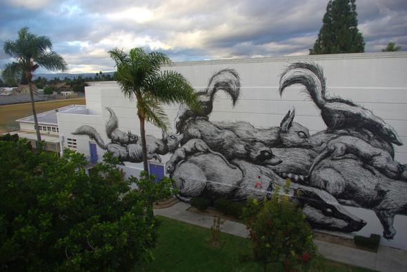 Животный стрит-арт от бельгийского граффитчика ROA. Изображение № 12.