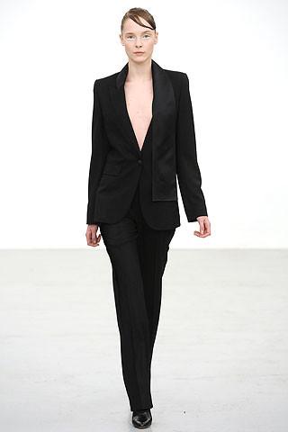 Новости моды: Выставки Chloe и Salvatore Ferragamo, Vogue в Таиланде и проект Michael Kors. Изображение № 6.
