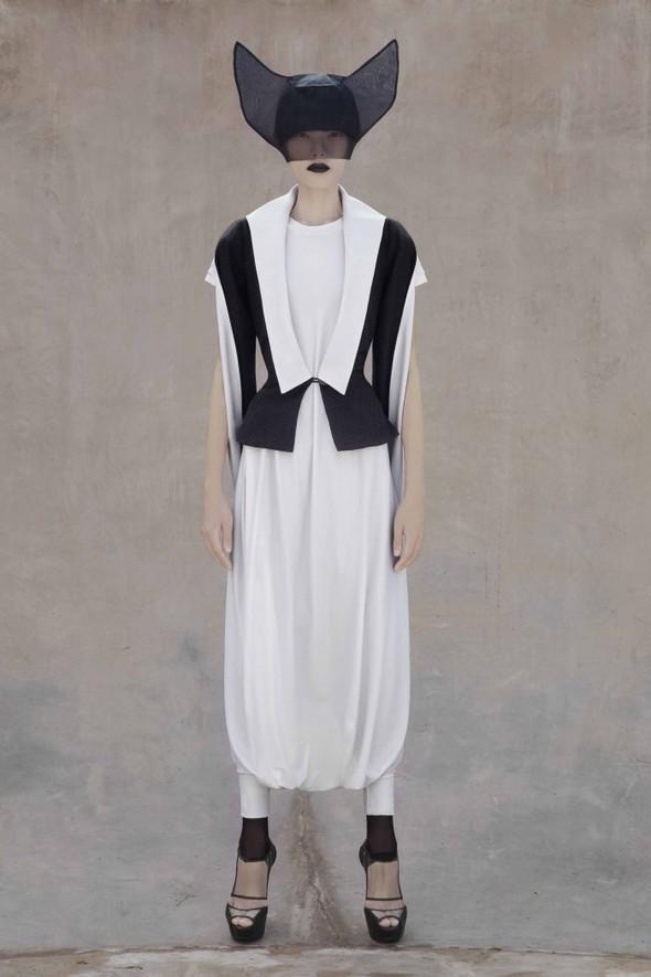 Японский минимализм в одежде – кошечки от Max Tan. Изображение № 12.