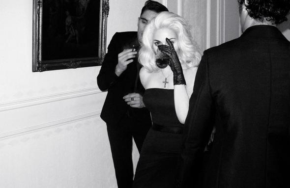 Madonna. Гулять такгулять. Изображение № 6.